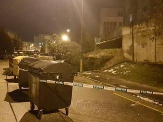 V hlavnom meste sa na dvoch miestach zrútili oporné múry