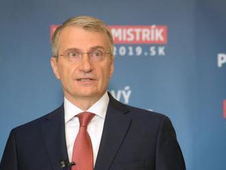 Mistrík odovzdal podpisy pre svoju prezidentskú kandidatúru: Fica by za sudcu ÚS nevymenoval