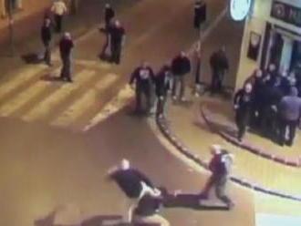 V Nitre sa po piatich rokoch začal proces s útočníkmi zo známej bitky pred barom