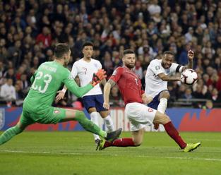 Na zápas s Anglií zbývá téměř tři tisíce vstupenek