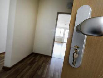 Rast cien a menšia ponuka znížili v Bratislave záujem o byty