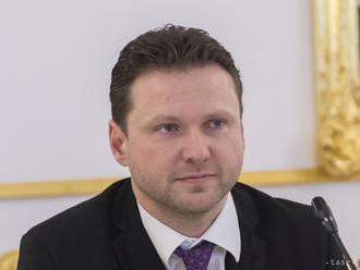Predseda českej Snemovne chce, aby si poslanci Gotta uctili potleskom