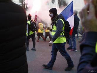 Polícia použila slzotvorný plyn na rozohnanie protestu žltých viest