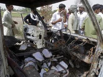 Pri nehode autobusu zahynulo 30 ľudí