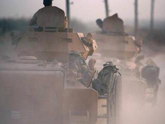 V Sýrii zuří tvrdé boje. Turci po vlně bombardování už útočí na města