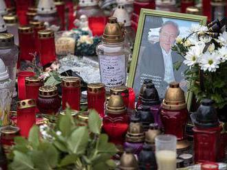 PŘENOS: Sbohem, mistře. Do Prahy míří tisíce fanoušků Karla Gotta