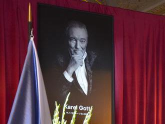 Rozlúčky s Karlom Gottom pokračujú zádušnou omšou v pražskej katedrále