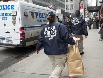 Štyria ľudia zahynuli pri streľbe v klube v New Yorku