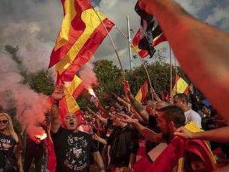 Tisícky ľudí demonštrovali v Barcelone proti nezávislosti