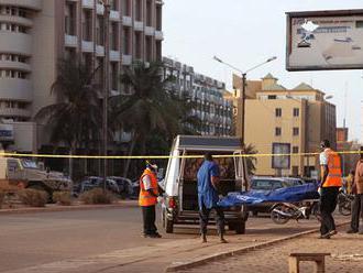 V Burkina Faso ozbrojenci zaútočili na mešitu a zabili 16 ľudí