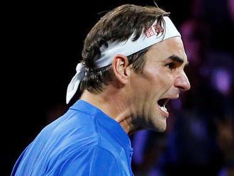 Federer sa snaží ísť príkladom novej generácii. Neignorujte fanúšikov, vyzýva