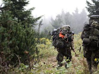 Pri výcviku hodu granátom sa v Česku zranili traja vojaci