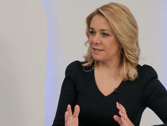 Čo spája ministerku Sakovú s mužom obvineným z vraždy?