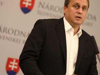 SNS trvá na naviazaní minimálnych dôchodkov na priemernú mzdu na Slovensku, tvrdí Danko