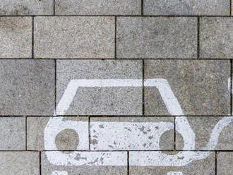 Lepšie pre životné prostredie, riziko pre nevidiacich: Moderné vozidlá sú bezpečnostný problém