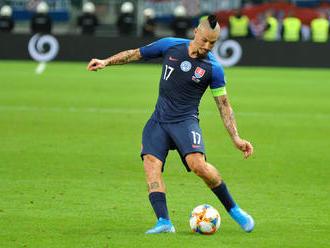 Slováci chcú v dôležitom zápase proti Walesu hrať tvrdo a agresívne, Hapal má viacero alternatív