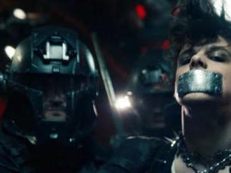 VIDEO: Svěží revolta v podání trojice Marshmello, Yungblud a Blackbear. To je