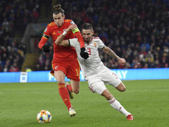 Wales porazil Maďarsko a postoupil na Euro, Slováky čeká play off