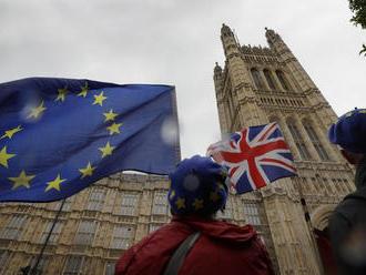 Brexit môže spôsobiť oklieštenie Británie, hovorí britský europoslanec