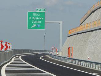 Obštrukčné námietky predlžujú niektoré súťaže na výstavbu ciest