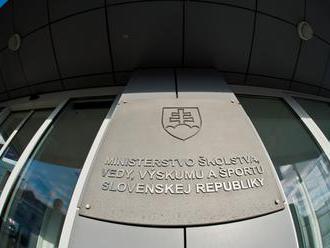 Nízke platy odrádzajú študentov od učiteľského povolania najmä v Bratislavskom a Trnavskom kraji