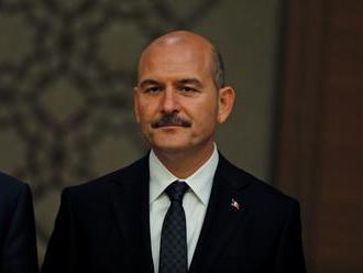Turecko začne od pondelka posielať zahraničných džihádistov do krajín pôvodu