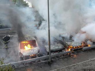 Švédsko na pokraji priepasti: Násilie a explózie na dennom poriadku. Utajovaná vojna, o ktorej mains