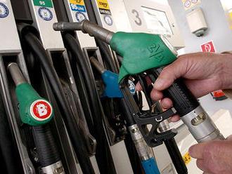 Od januára končí benzín Natural 95. Nahradí ho nový s bioetanolom, ktorý staršie autá nebudú môcť po