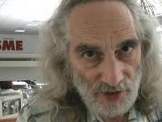 Novinár denníka SME Peter Schutz nazval Kotlebu a Harabina primátmi a šimpanzami