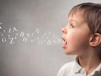 Ľudia spracujú okolo 1,5 megabytu informácií, aby sa naučili materinský jazyk