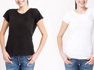 Čierne a biele tričká: Univerzálne kúsky, ktoré nesmú v šatníku chýbať