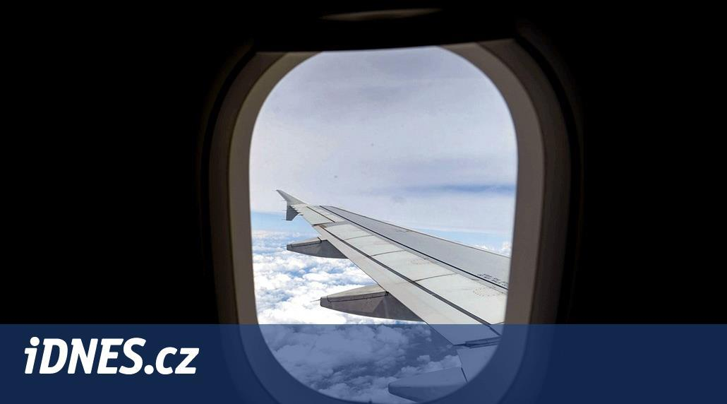Byznys třída v letadlech by měla být zakázána, říká šéf Wizz Airu