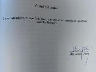 Poslanec Dostál navrhol zákon o verejnej správe podľa Dankovej rigorózky