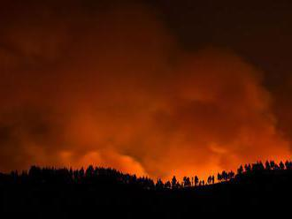 Lesné požiare v Austrálii si vyžiadali dve obete, nezvestných je 7 ľudí