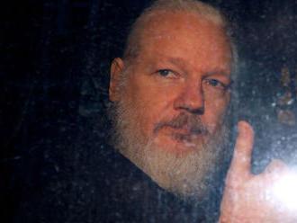 Prokuratúra ukončila vyšetrovanie Assangea pre obvinenia zo znásilnenia