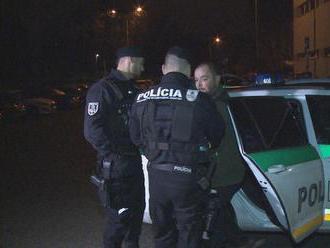 Zbesilú jazdu opilca zastavili až policajti: Zistili, že nechodil ani do autoškoly