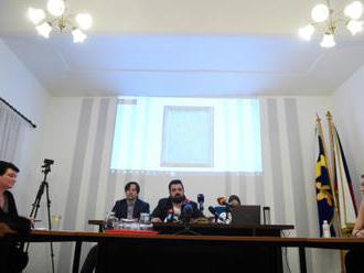 Živě: Jednání o pomníku vlasovcům v Řeporyjích začalo klidně