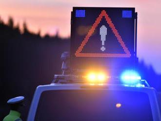 V Nuslích se srazil autobus s autem, 4 lidé se lehce zranili