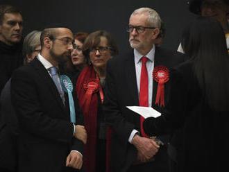 Corbyn převzal odpovědnost za volební krach, politiku ale hájí