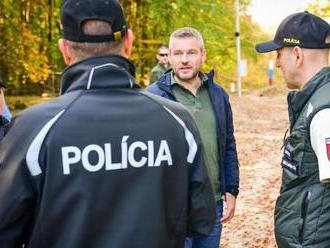 Šéf policajných odborárov odmieta, že by si Pellegrini kupoval hlasy policajtov
