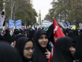 Iránci si pripomínajú 40. výročie islamskej revolúcie