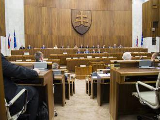 Opozičné strany idú rokovať o kandidátoch na ÚS