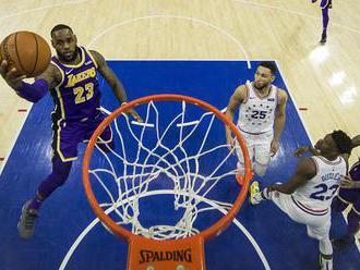 NBA: Golden State Warriors po jedenásty raz otočili zápas, v ktorom ich súper viedol dvojciferne