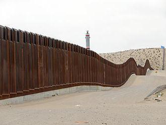 K hranici s Mexikom vyslali ďalších vojakov