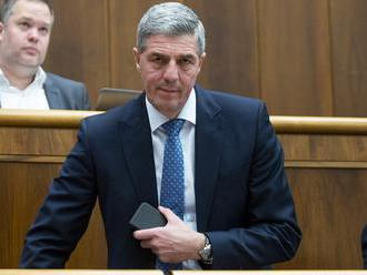 Polčas rozpadu koalície urýchli Bugárovo ego