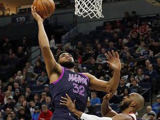 NBA: Harden vyrovnal Chamberlaina, má 31 zápasov v sérii s aspoň 30 bodmi