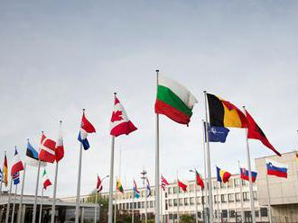 Ministri obrany diskutujú o budúcnosti afganskej misie