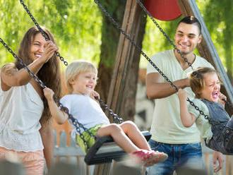 Psychologička: Na rodičov sa vyvíja veľký tlak, že musia mať dokonalú prácu, hobby aj deti