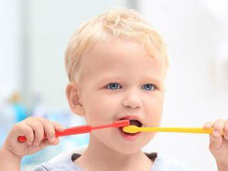 Deti v USA používajú príliš veľa zubnej pasty