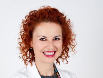 MUDr. Lucia Sonntag bude online: Pýtajte sa na všetko o očiach po 50-tke!
